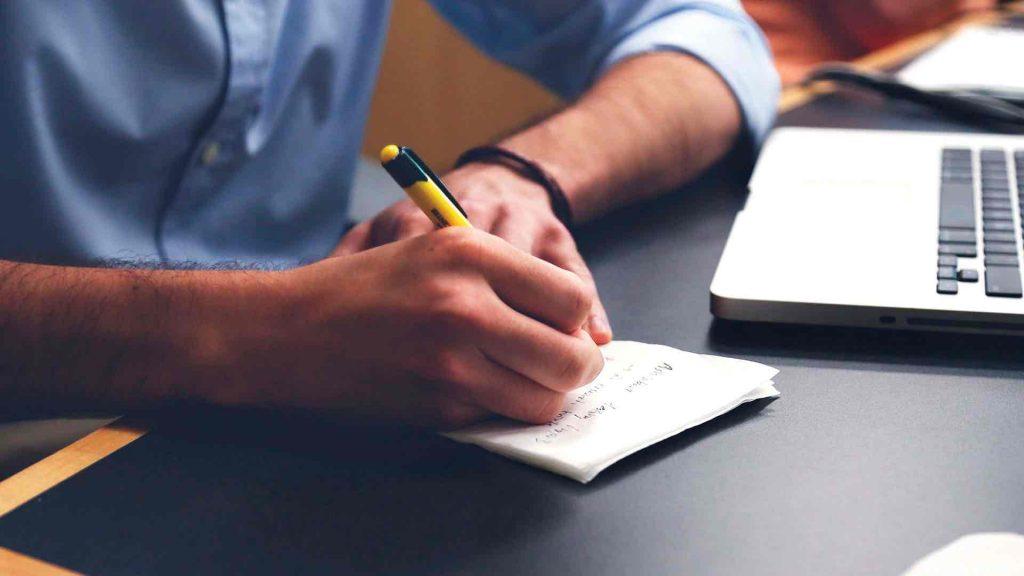 1. Escribir un cuento o un diario