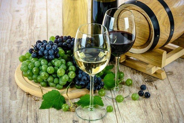 ¿Cuál vino es mejor, blanco o tinto?
