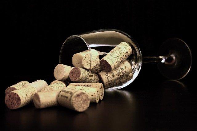 ¿Cuál es la diferencia entre vino blanco y vino tinto?