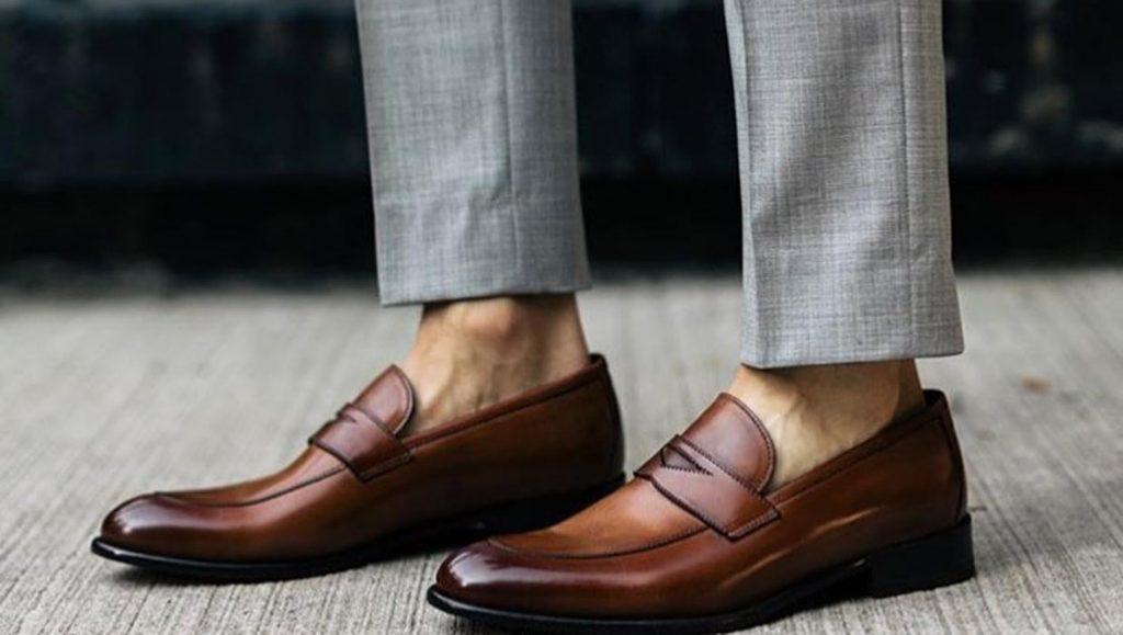 ¿Qué tipo de zapatos debo usar para una entrevista de trabajo?