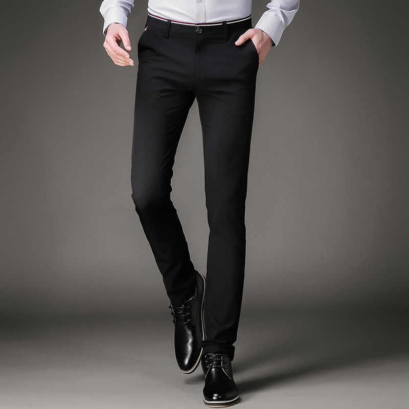 Pantalones oscuros