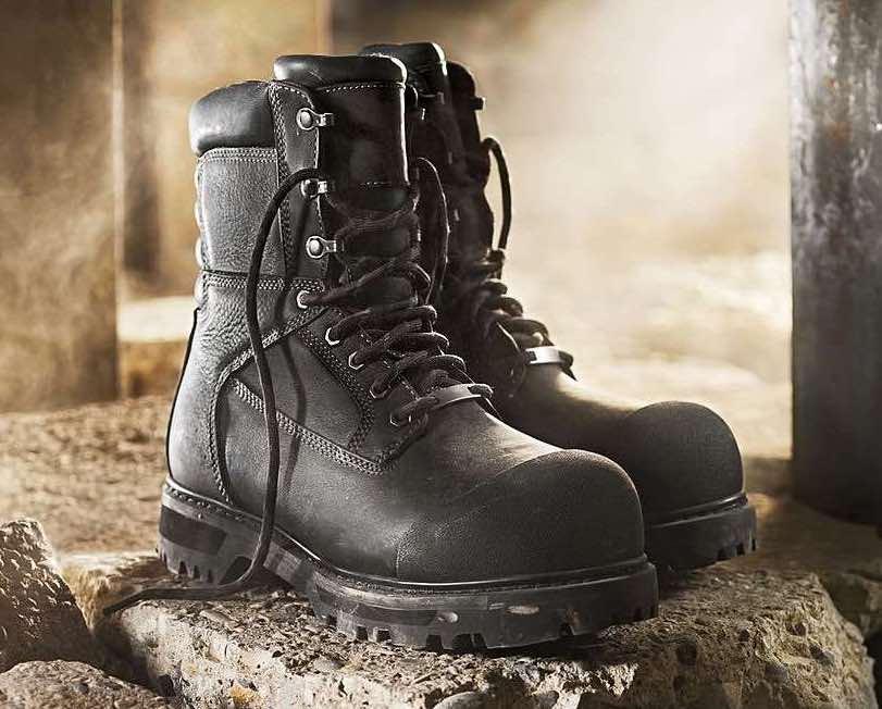 como combinar botas negras