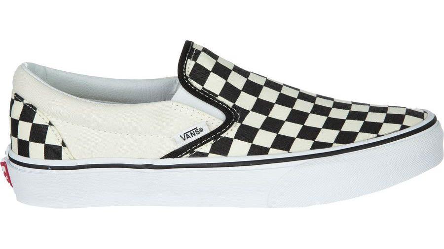 3. Sneakers Vans Classic Slip-On